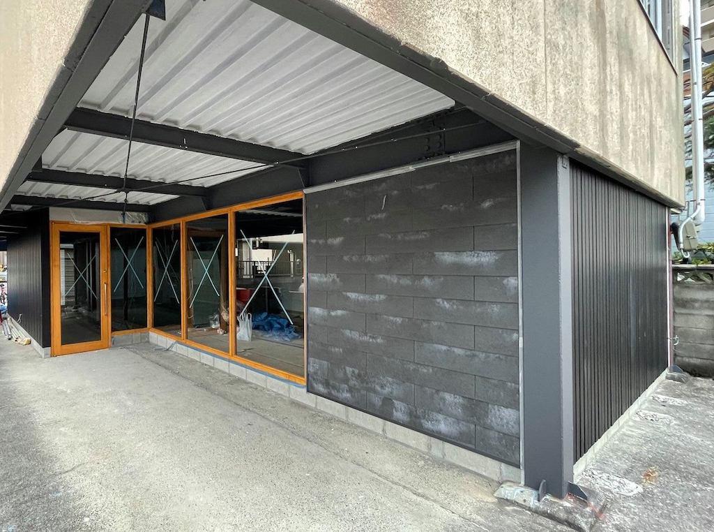 守山市のコワーキングスペース今プラス元布団屋の倉庫店外観